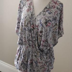 H&M floral wrap top shirt size L blues